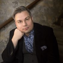 Kirjailija Tommi Kinnunen